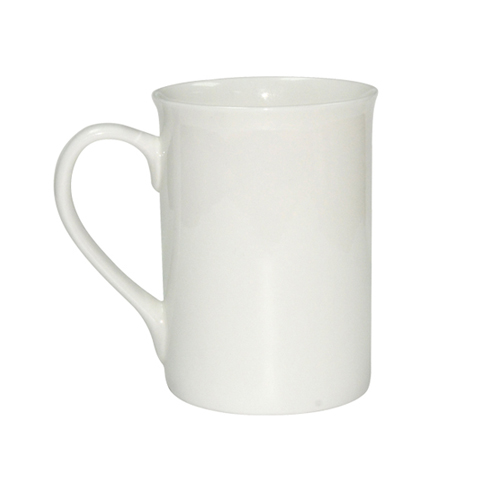 Baltas porcelianinis puodelis