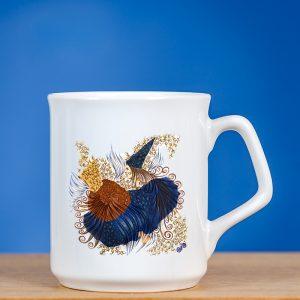 """Elegantiškas baltas puodelis su originaliu piešiniu """"FĖJA II"""""""