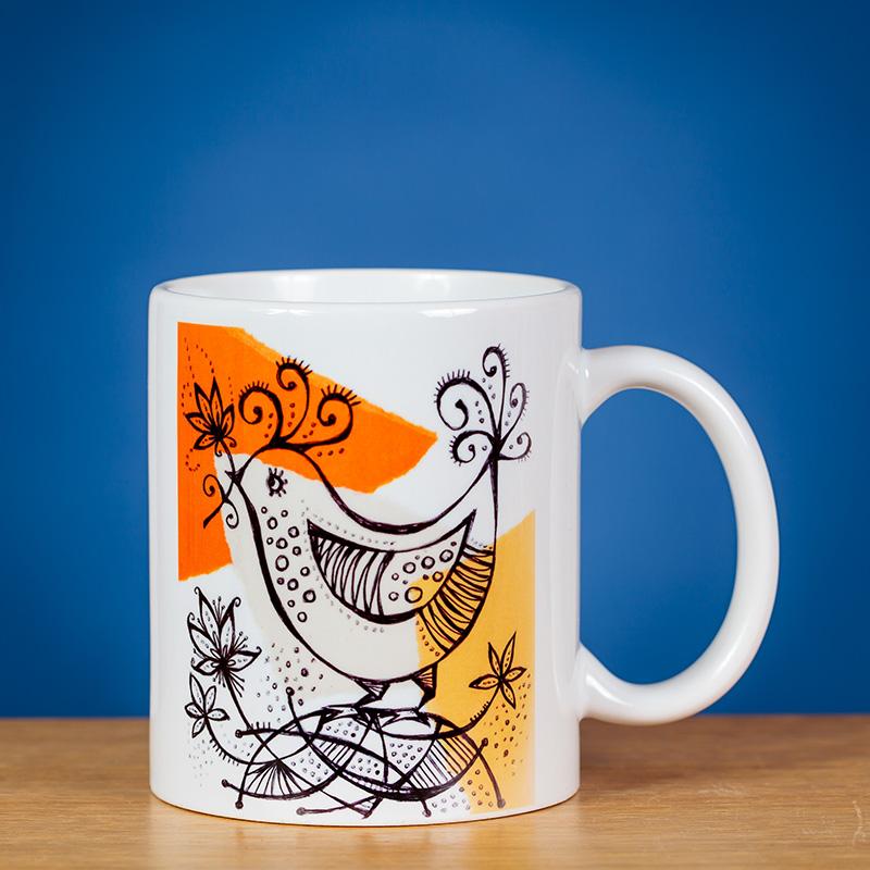 Standartinis puodelis su paukšte;lio piešiniu