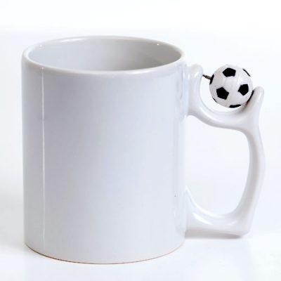puodelis su kamuoliu
